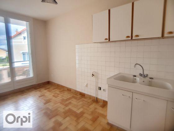 Location appartement 3 pièces 62,21 m2