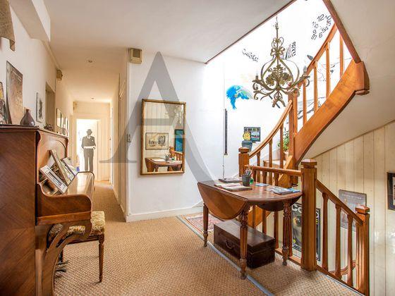 Vente maison 11 pièces 251 m2