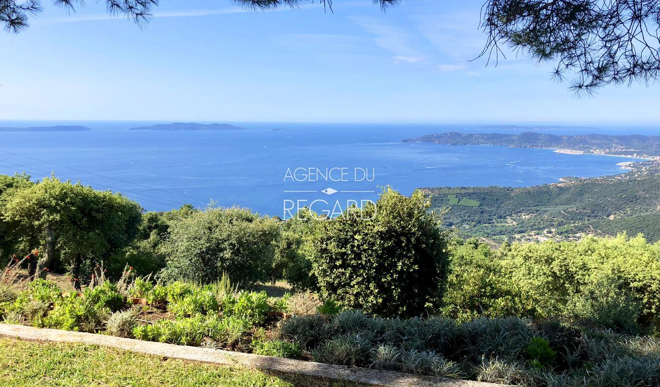 Property with pool and garden Le Lavandou