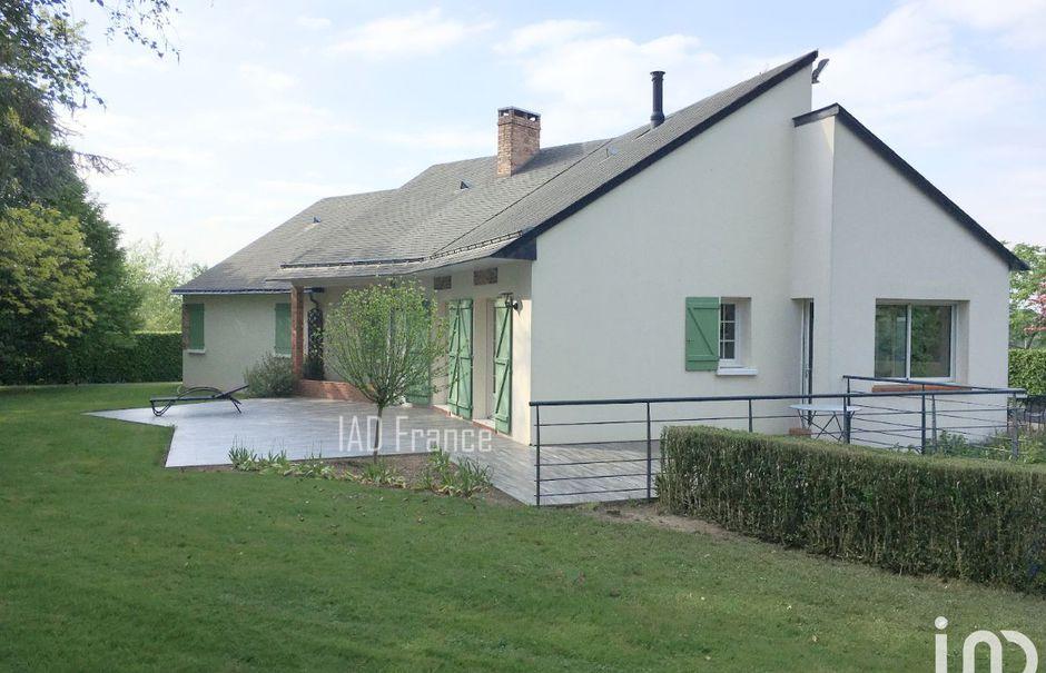 Vente maison 6 pièces 127 m² à Châlons-du-Maine (53470), 362 000 €