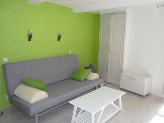 Location studio meublé 20,43 m2