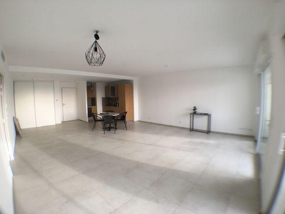 Location appartement meublé 3 pièces 105,07 m2