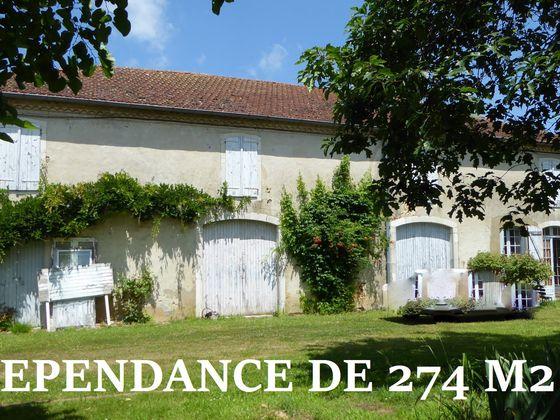 Vente maison 10 pièces 387 m2