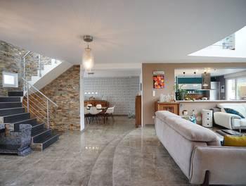 Maison 7 pièces 215 m2