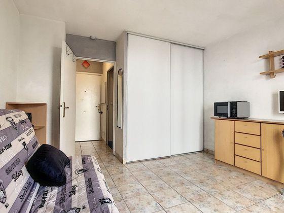 Location studio meublé 18,95 m2