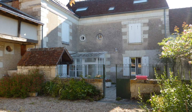 House with terrace Epeigné-les-Bois