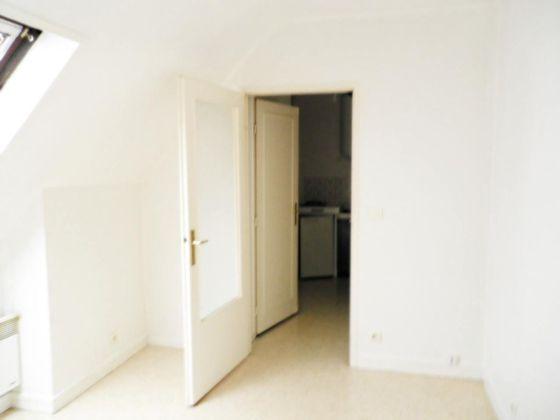 Location studio 18,36 m2