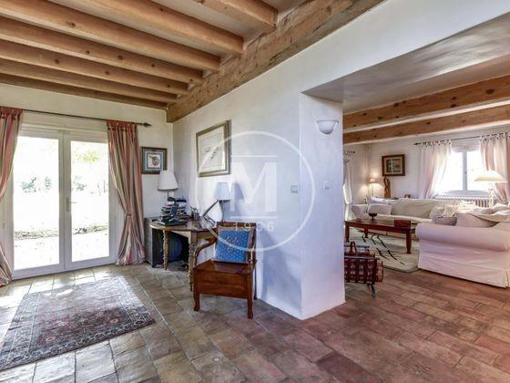 Vente maison 8 pièces 385 m2