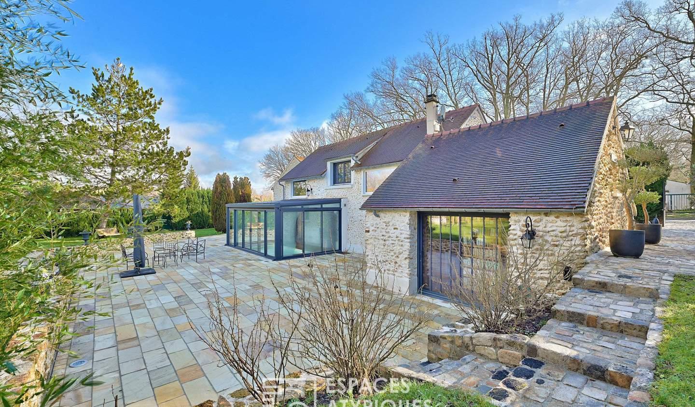 House with pool Gambais