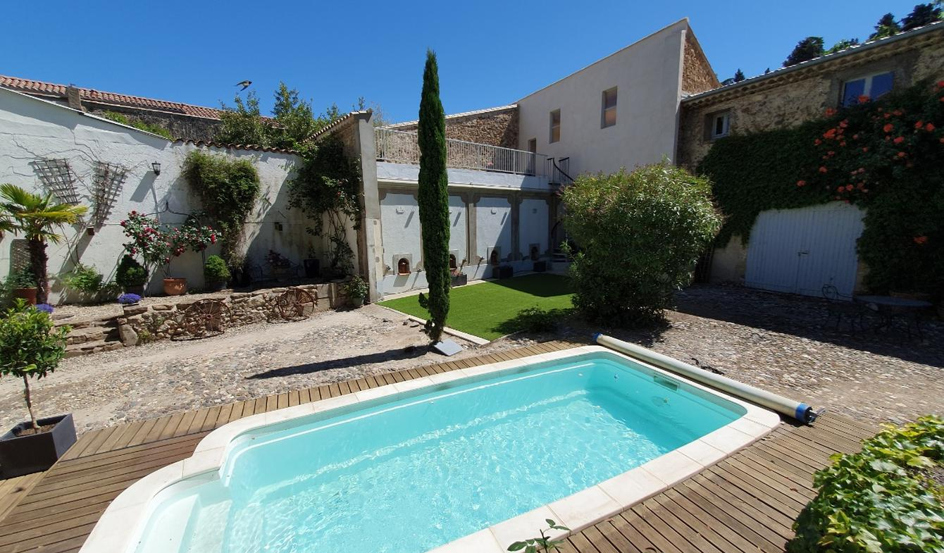 House with pool and garden Roujan