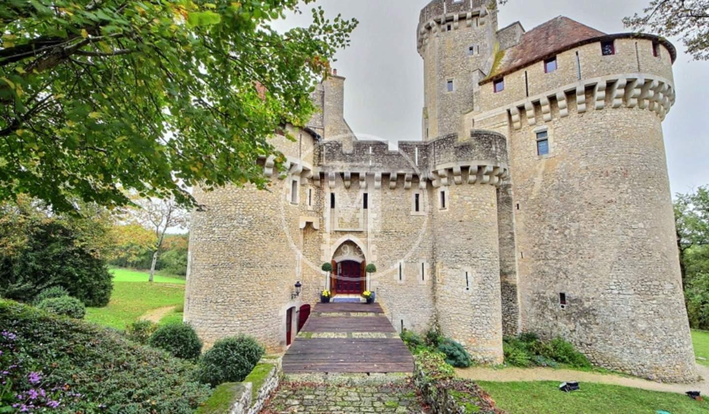 Castle Tournon-Saint-Martin