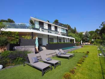 Villa 7 pièces 360 m2
