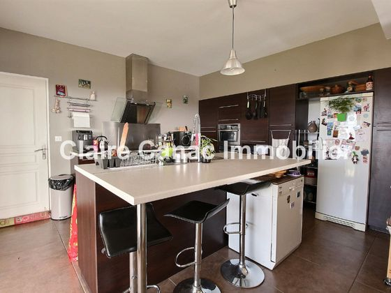 Location maison 8 pièces 230 m2