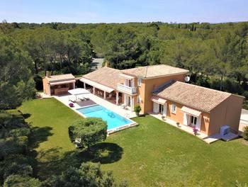 Villa 7 pièces 247 m2