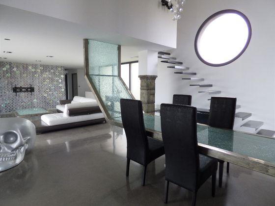 Vente maison 8 pièces 247,15 m2