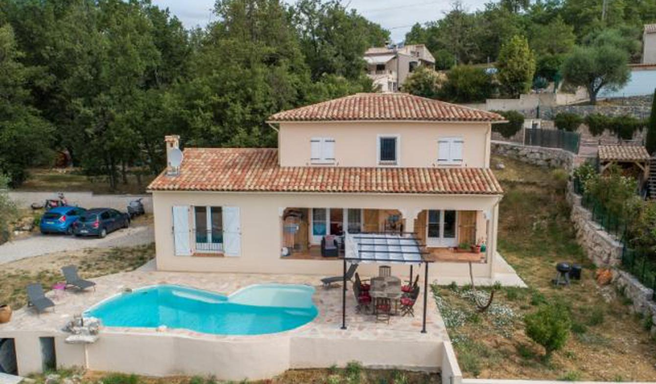House with pool and terrace Levens