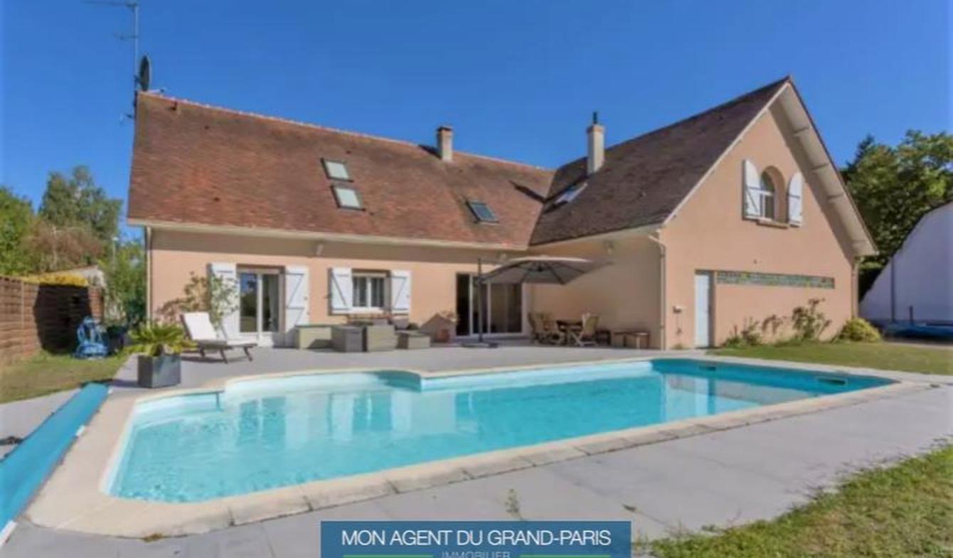 Maison avec piscine et terrasse Briis-sous-Forges