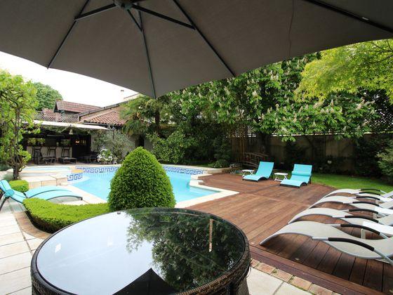 Vente villa 9 pièces 340 m2