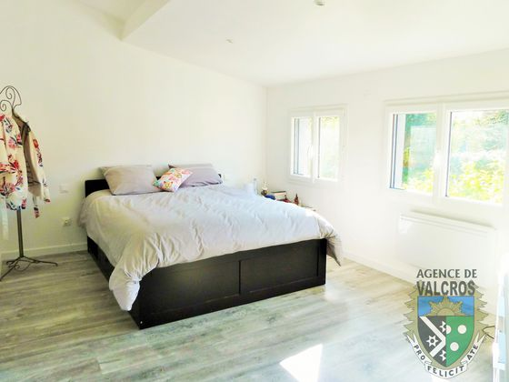 Vente villa 8 pièces 245 m2