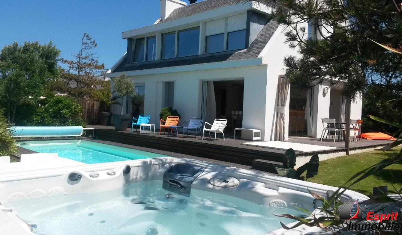Maison avec piscine et terrasse Trégunc