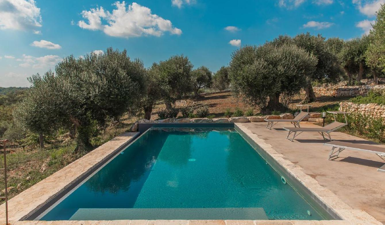 House with pool and garden Brindisi