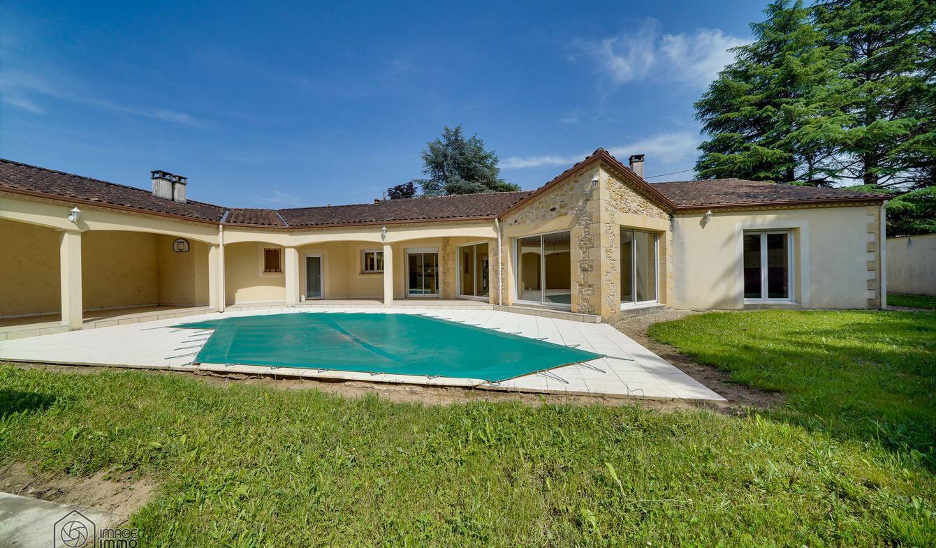 Maison avec piscine Le Buisson-de-Cadouin