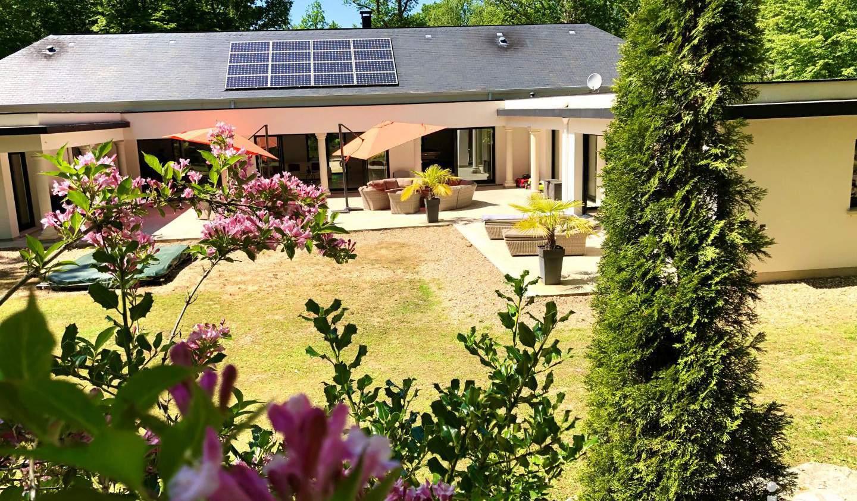 House with pool and terrace Les Baux-Sainte-Croix