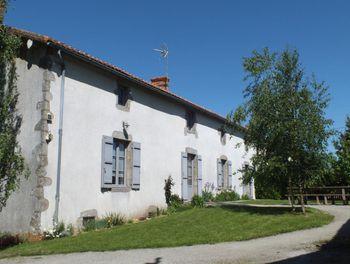 maison à Gourgé (79)