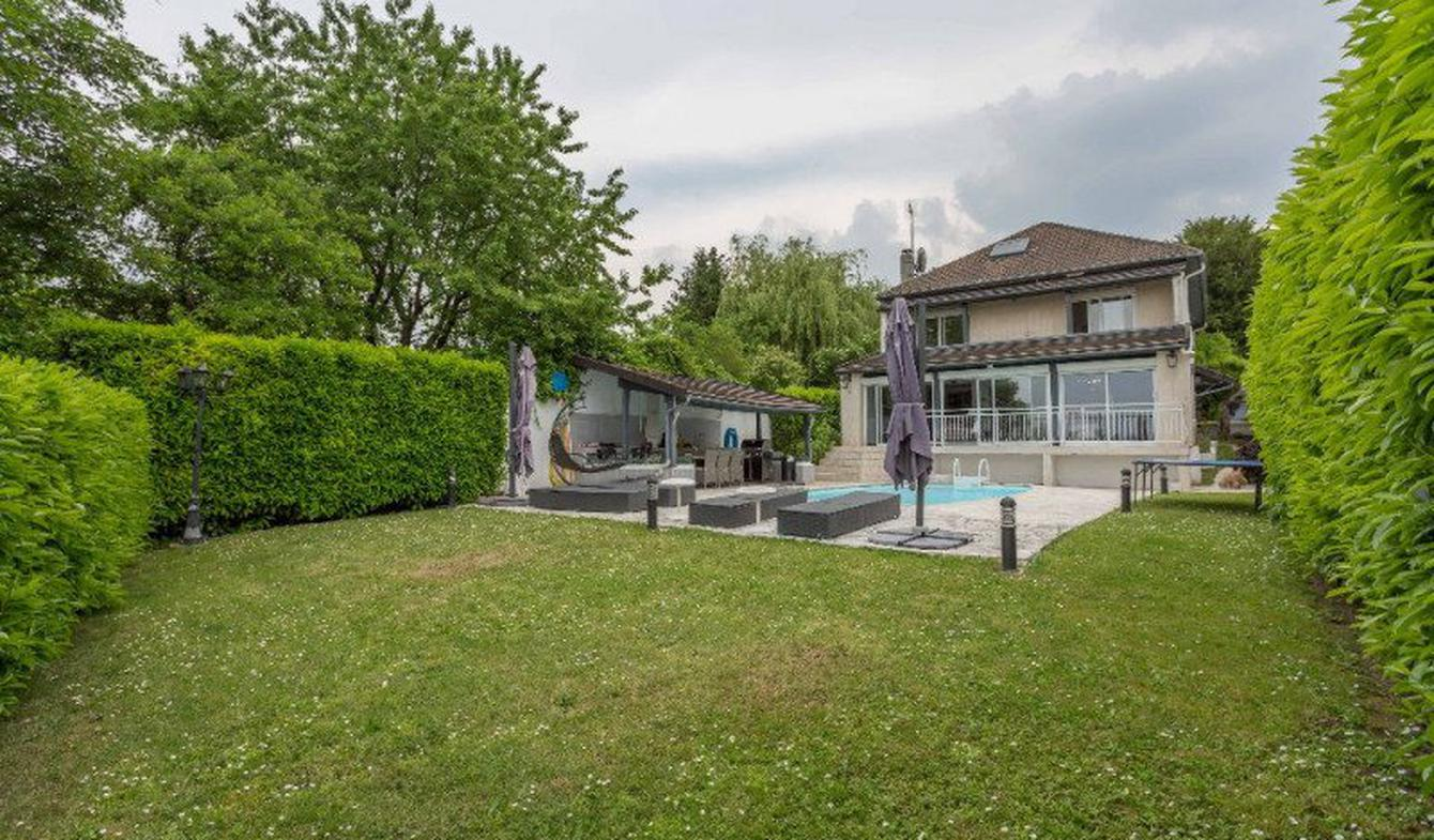 Propriété avec piscine Bry-sur-Marne