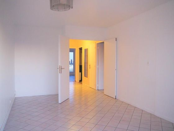 Location appartement 3 pièces 64,76 m2