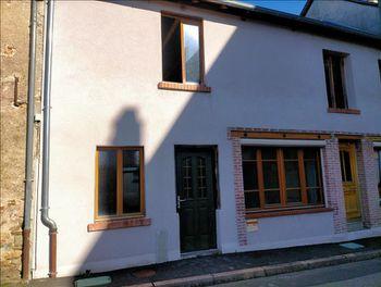 maison à Salon-la-Tour (19)