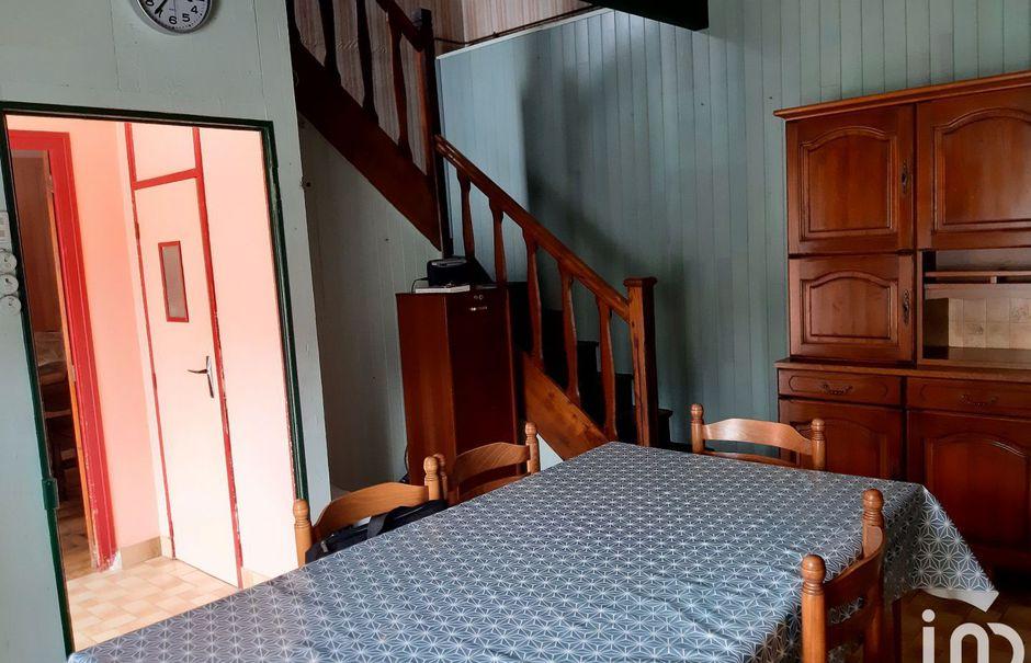 Vente maison 6 pièces 75 m² à Calanhel (22160), 62 000 €