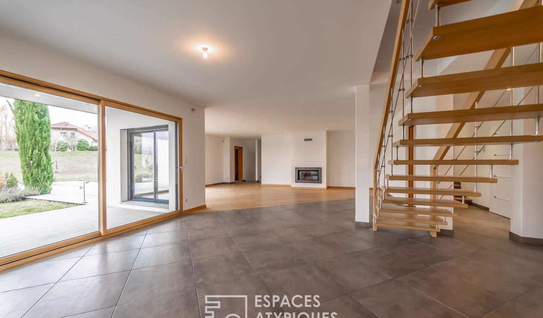 Maison avec terrasse Echenevex