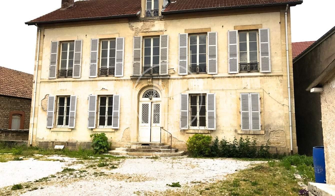 House Dijon