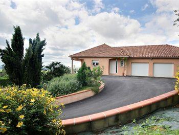 maison à Andoins (64)