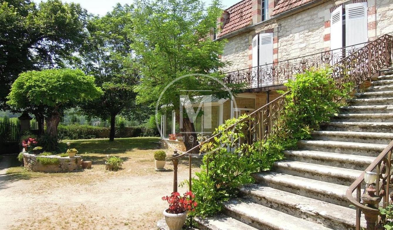 Maison avec piscine et terrasse Albas