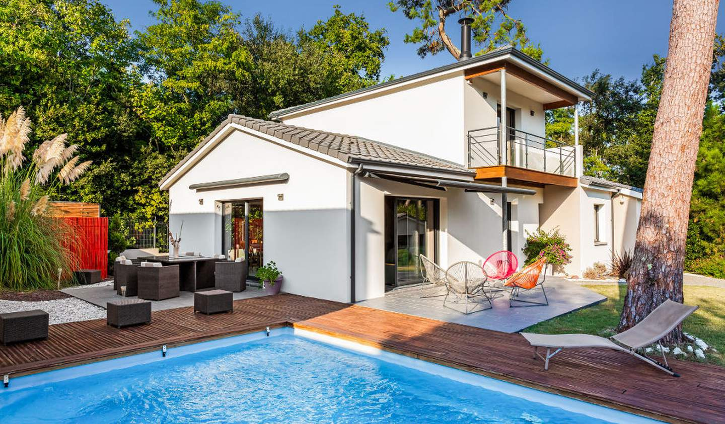 House with pool and terrace Royan