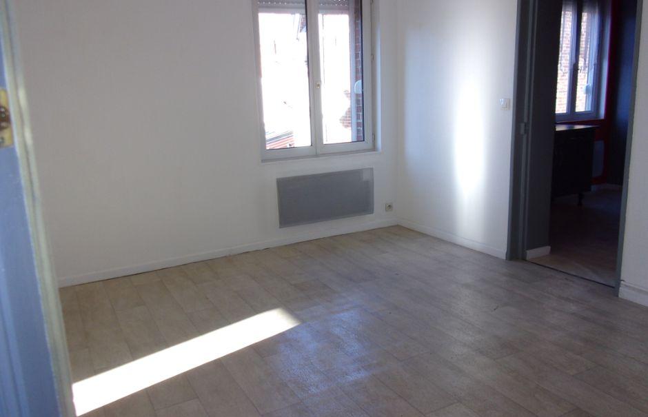 Location  appartement 3 pièces 60 m² à Saint-Quentin (02100), 426 €