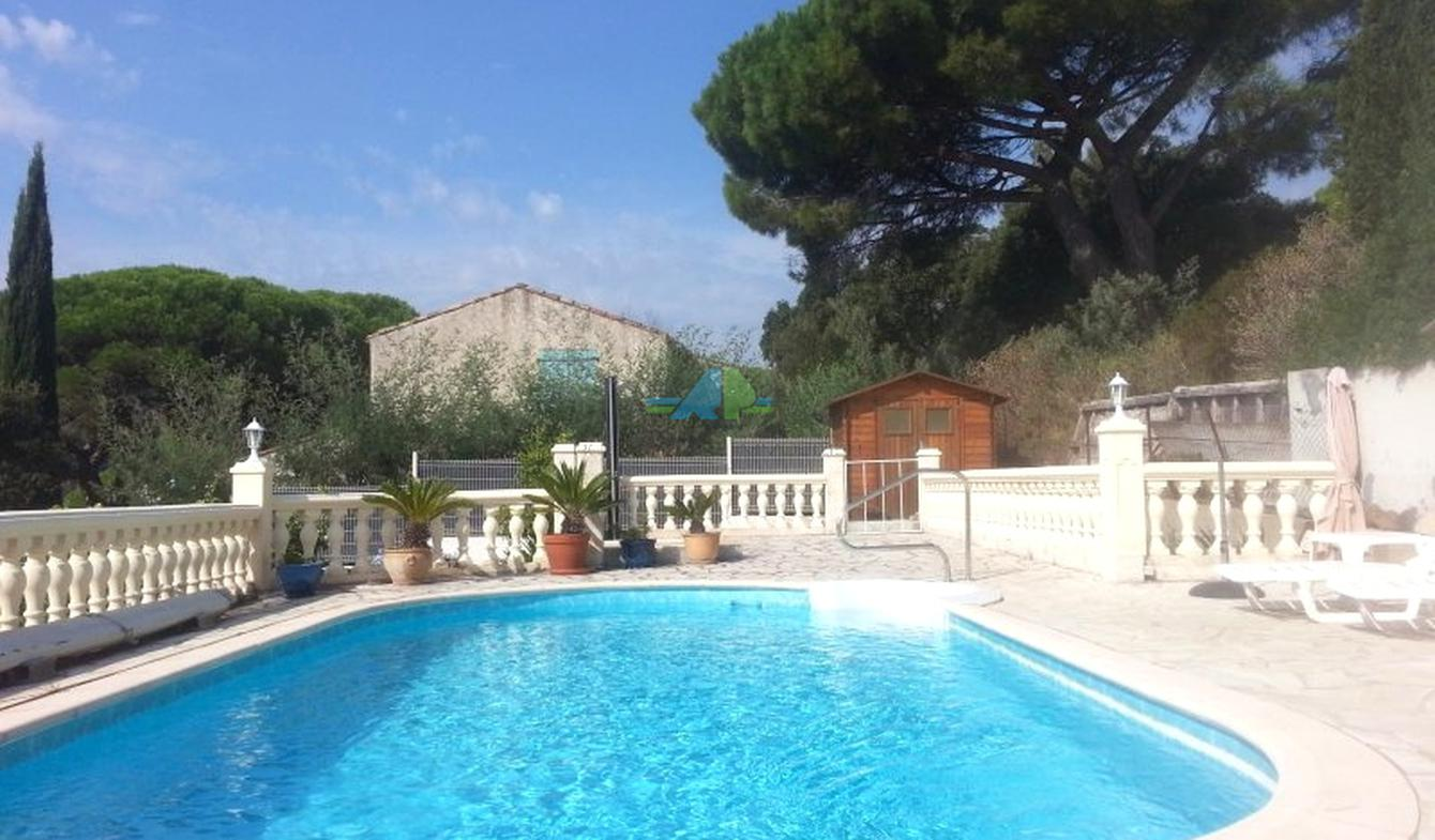 House with pool and terrace Les issambres