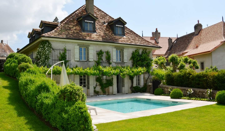 Maison avec piscine et jardin Bursins