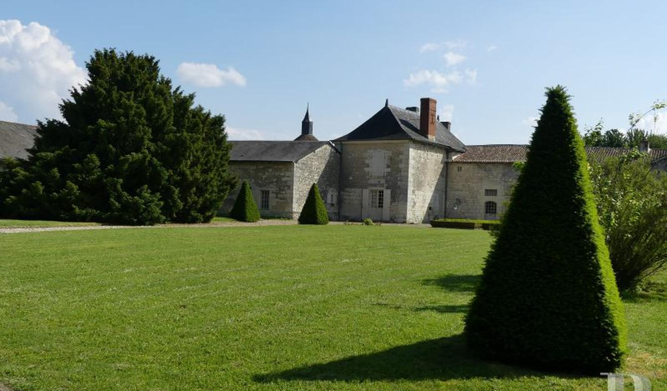 Maison Monts-sur-Guesnes