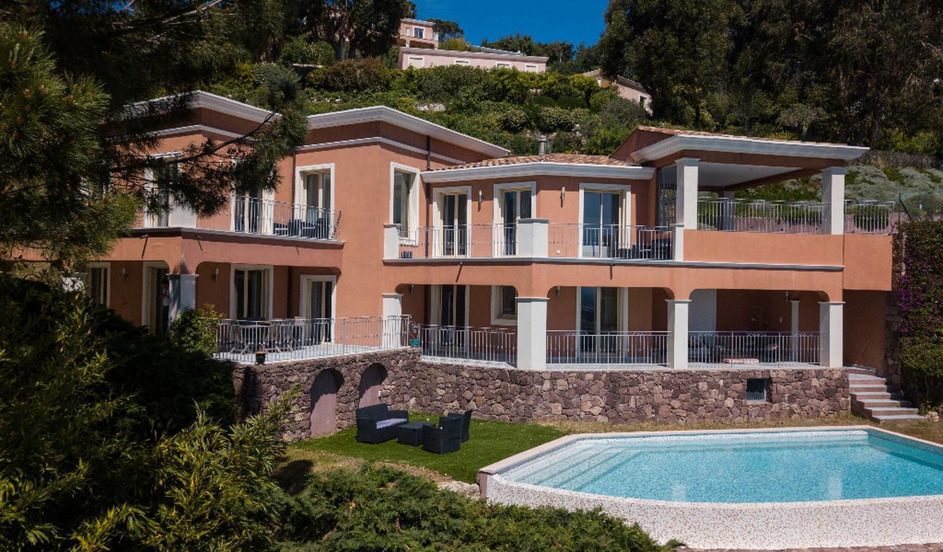 House with pool and terrace Mandelieu-la-Napoule