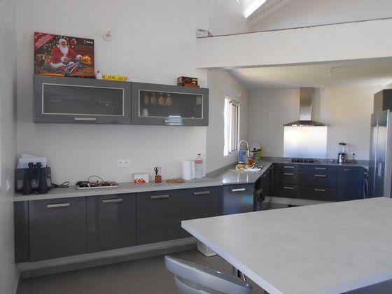 Location maison 4 pièces 125 m2