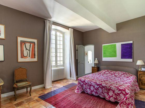 Vente propriété 40 pièces 790 m2
