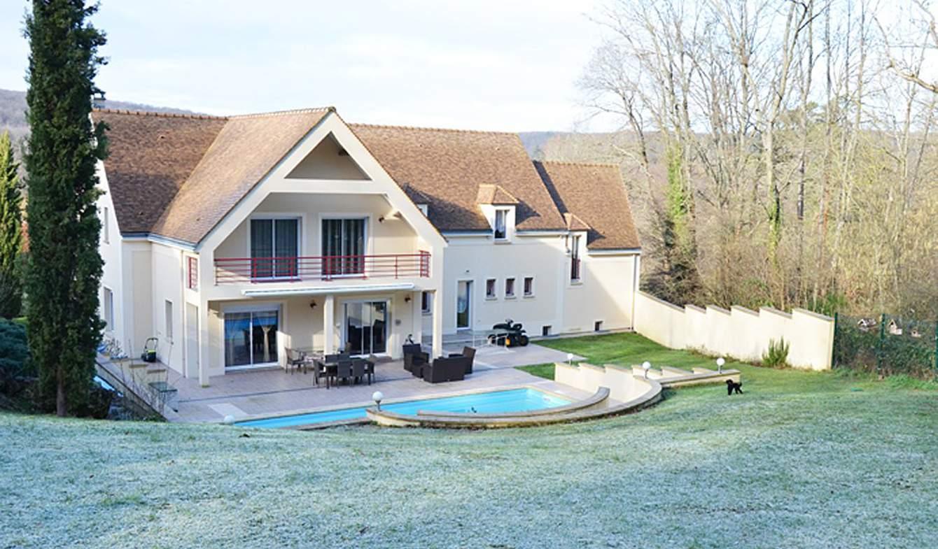 Maison avec piscine et terrasse Senlisse