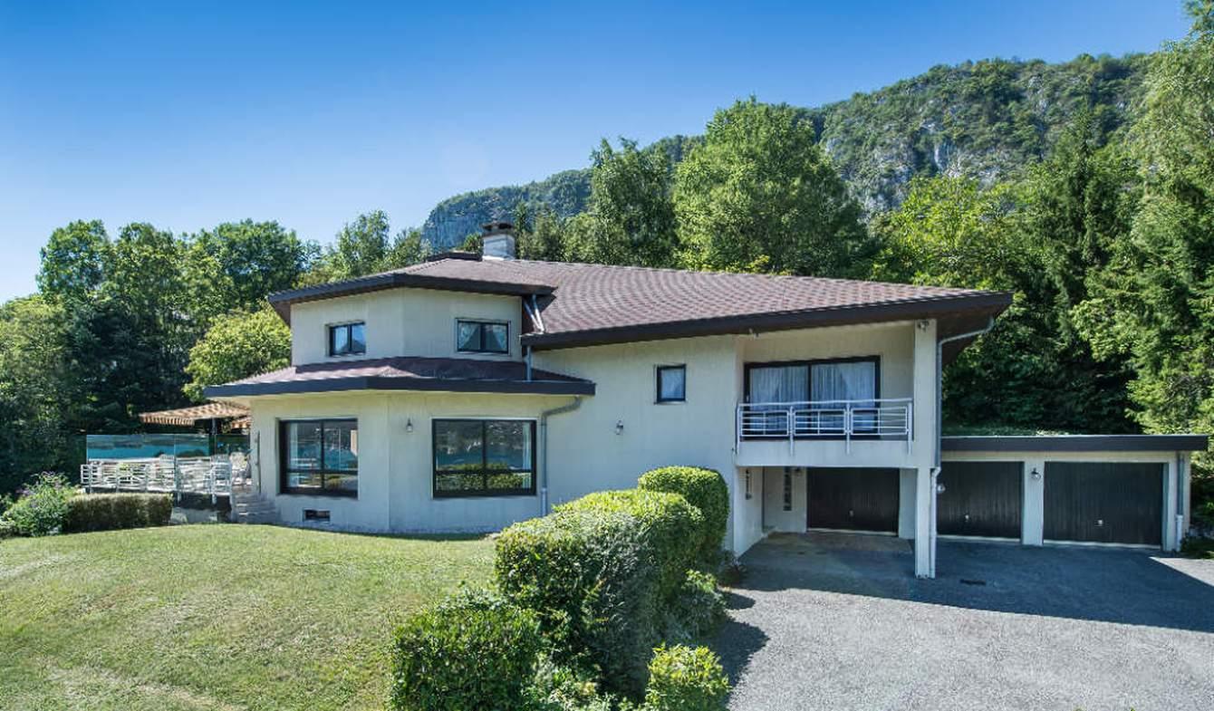 Maison avec piscine et terrasse Doussard