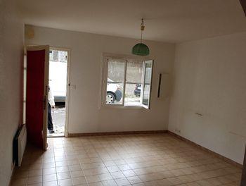 maison à Pomas (11)