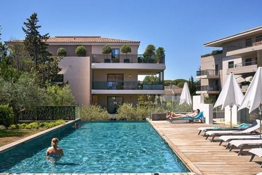 Contemporary apartment with terrace and pool