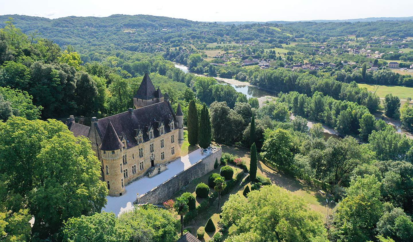 Castle with staff & services Carlux