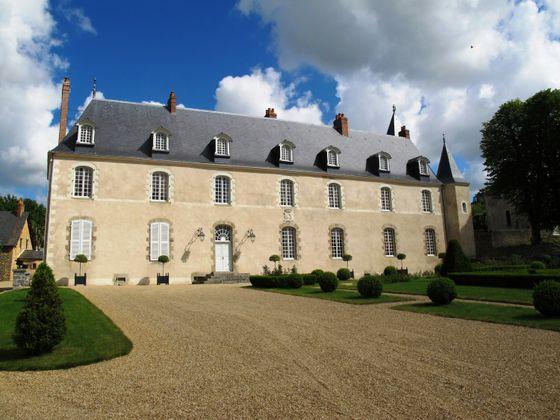 vente Château 30 pièces 900 m2 Laval